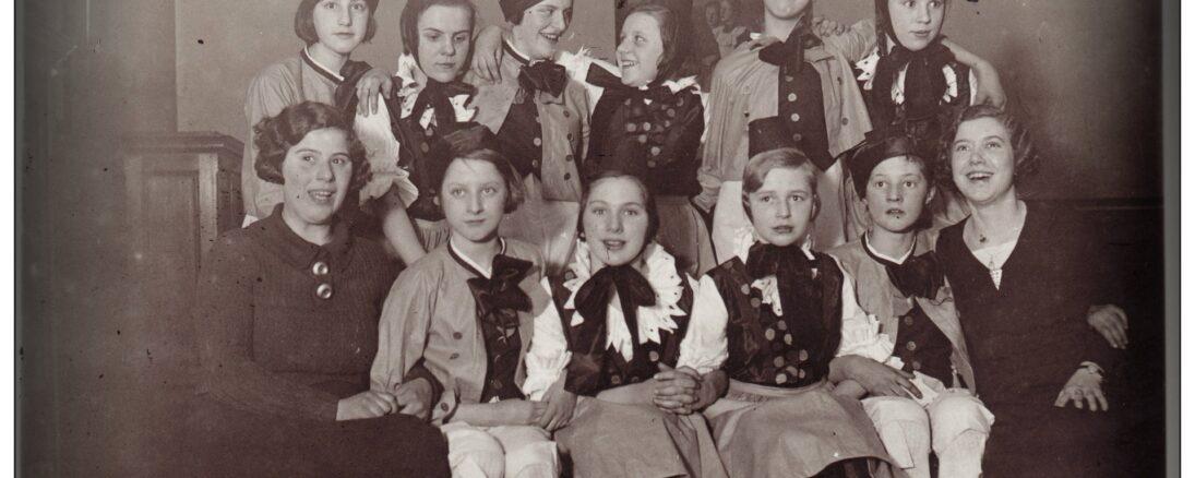 1938 women