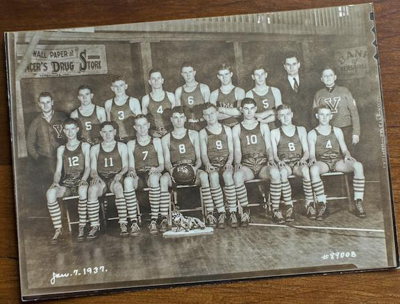 1937 Versailles Frenchies basketball team Indiana
