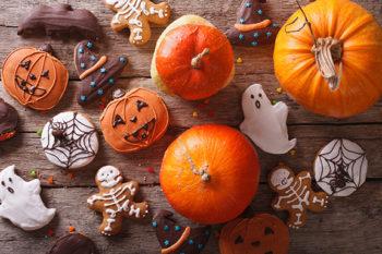 Easy Peezy Halloweeny Spice Ball Cookies