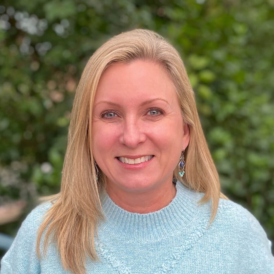 staff image of LeeAnn